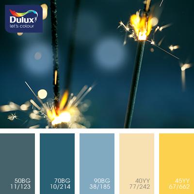Цвет Dulux 90BG 38/185 (синий) в интерьере гостиной (фото)