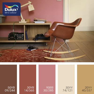 Цвет Dulux 30YR 14/365 (бордовый) в интерьере спальни (фото)