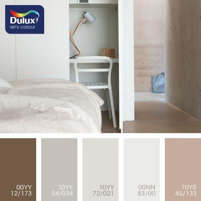 Цвет Dulux 10YY 54/034 (мягкий белый) в интерьере гостиной (фото)