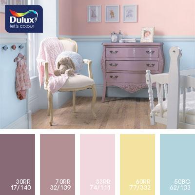 Цвет Dulux 50BG 62/133 (голубой) в интерьере гостиной (фото)