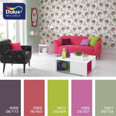 Цвет Dulux 10RR 25/437 (пурпурный) в интерьере спальни (фото)